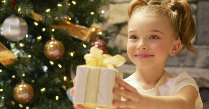 15 Ways to Help Your Child Give Back This Holiday Season